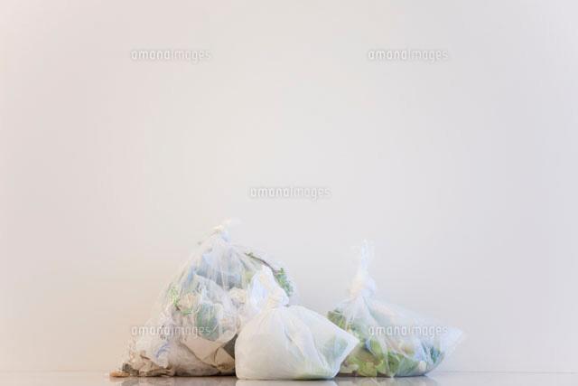 ゴミ袋 (c)AID