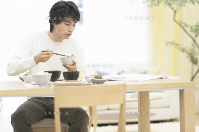 「インスタント食品を食べる写真フリー」の画像検索結果