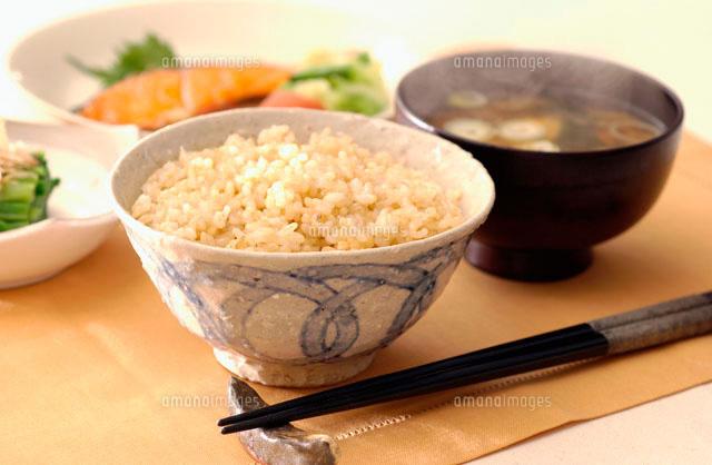 炊き立ての玄米ご飯と味噌汁 朝食イメージ (c)Doable/a.collectionRF