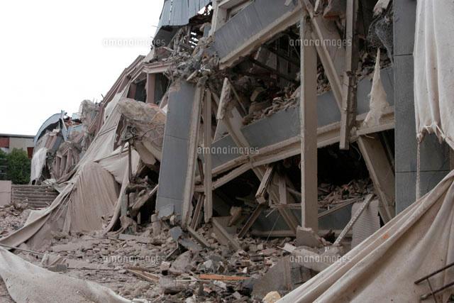 崩れた建物(c)B.SCHMID/a.collectionRF