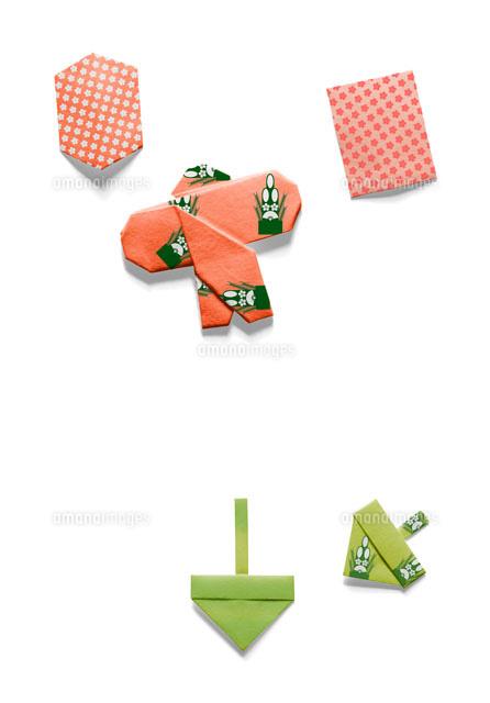 クリスマス 折り紙:こま 折り紙-amanaimages.com