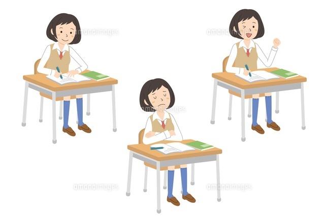 授業を受ける女子学生3パターン (c)studio monietrain/GOKU/a.collectionRF