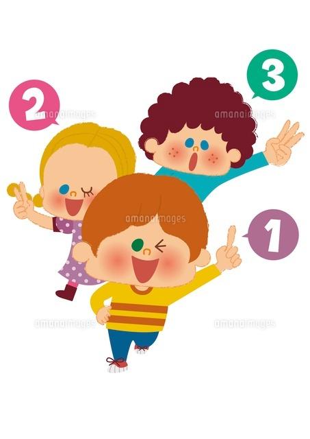 手で数字を数える子ども (c)aque/a.collectionRF