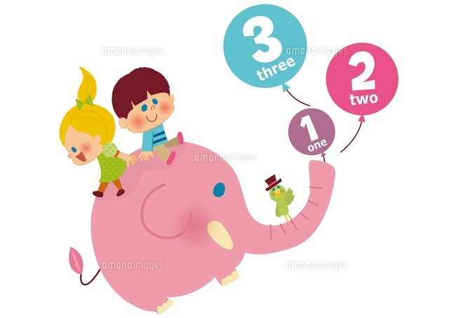 数字の書いた風船と象に乗る子ども (c)aque/a.collectionRF