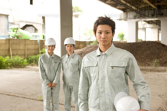 4人の建設作業員[11000044622]|...