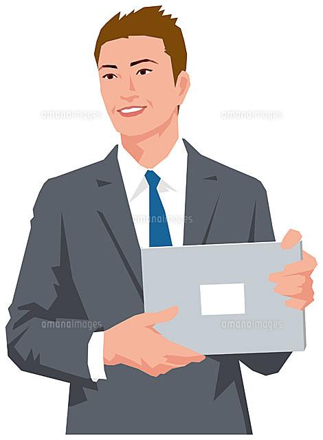 ノートPCを持つ男性 (c)SOURCENEXT CORPORATION