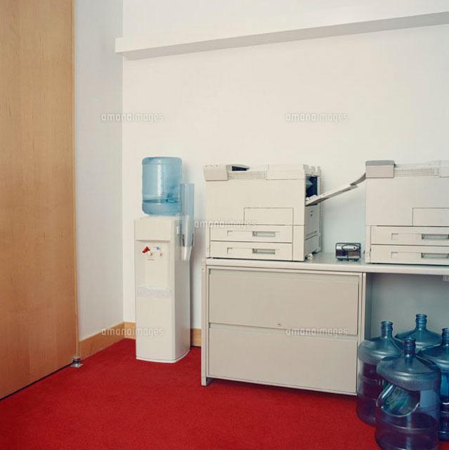 Photocopy machines next to water cooler (c)Emiliano Granado/fStop