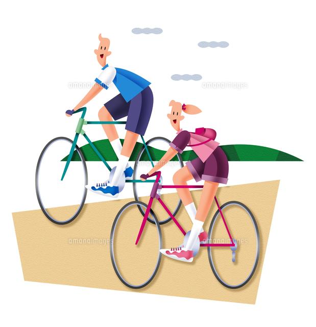 サイクリングをするカップル (c)イメージナビ