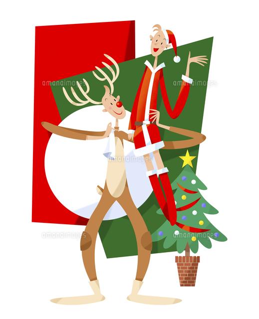 クリスマスに仮装するカップル (c)イメージナビ
