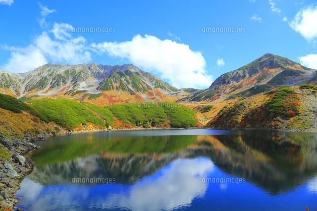 立山黒部 みくりが池と紅葉の立山連峰 (c)JP