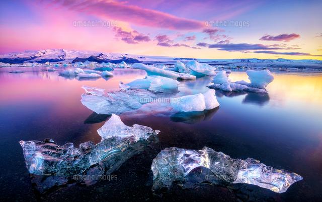Colorful morning landscape of ice floating in Jokulsarlon, Iceland (c)Gen Vagula/500px
