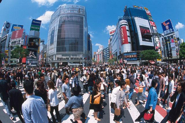 渋谷のスクランブル交差点 (c)daj