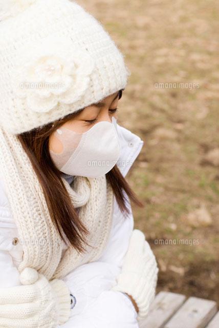 マスクをした女性 (c)DAJ