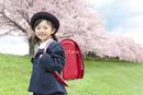 桜と笑顔の女の子