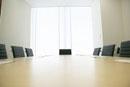 会議室のデスク