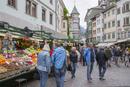 ボルツァーノ旧市街の路上マーケット