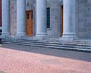石造りの建物の柱