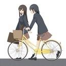 自転車で通学する女の子