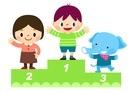 表彰台にのぼる子供たちとゾウ 10468000227| 写真素材・ストックフォト・画像・イラスト素材|アマナイメージズ