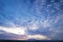 旭岳と夜明け前の空