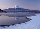 冬の河口湖と逆さ富士