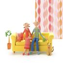 ソファーに座ってコーヒーを飲むカップルと猫 クラフト