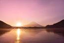 精進湖から元旦の朝日と富士山