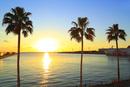 大阪南港ATCより望む大阪湾と夕日