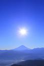 櫛形林道より富士山と太陽に光芒