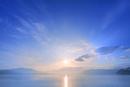田沢湖の朝日