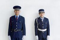 警備員の男性と女性