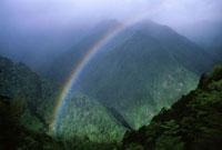 虹と山 07800009640| 写真素材・ストックフォト・画像・イラスト素材|アマナイメージズ