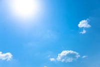 青空と日ざしと雲