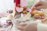 お菓子作り 07800036306  写真素材・ストックフォト・画像・イラスト素材 アマナイメージズ