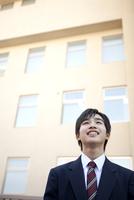 笑顔の男子学生
