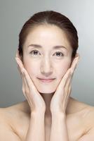 中高年女性の美容イメージ