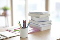 机の上の文房具