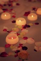 夜のバスルームイメージ 07800049260| 写真素材・ストックフォト・画像・イラスト素材|アマナイメージズ