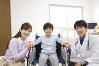 医師と患者と母親