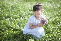 花束を持つ女の子
