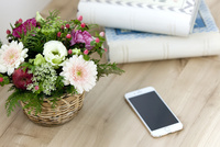 花とスマートフォン