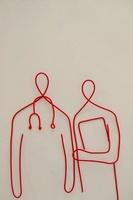ワイヤーで作られた医師と看護師 09501010932| 写真素材・ストックフォト・画像・イラスト素材|アマナイメージズ