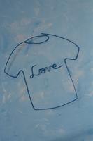 ワイヤーで作ったシャツとネクタイ 09501011307| 写真素材・ストックフォト・画像・イラスト素材|アマナイメージズ