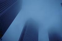霞がかかった都庁