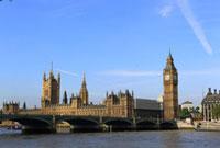 英国国会議事堂と改修中のビッグベン 09521000747| 写真素材・ストックフォト・画像・イラスト素材|アマナイメージズ