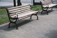 二つのベンチ 10120000392| 写真素材・ストックフォト・画像・イラスト素材|アマナイメージズ