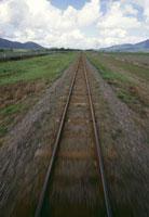 単線鉄道線路 10131004396| 写真素材・ストックフォト・画像・イラスト素材|アマナイメージズ
