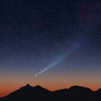 槍ヶ岳と彗星 10131013797| 写真素材・ストックフォト・画像・イラスト素材|アマナイメージズ
