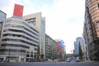 東京駅前の八重洲通り