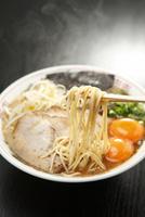 熊本ラーメン 10131027481| 写真素材・ストックフォト・画像・イラスト素材|アマナイメージズ